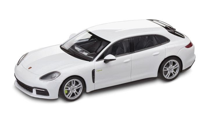 1:43 Model Car | Panamera Sport Turismo 4 E Hybrid in Carrara White