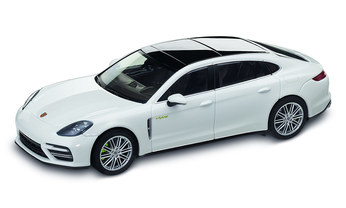 Panamera Turbo S E-Hybrid Executive G2, carraraweißmetallic, 1:43, DieCast