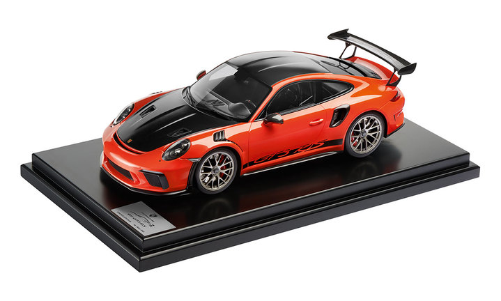 911 GT3 RS mit Weissach Paket, 1:12, Lavaorange, Limited Edition