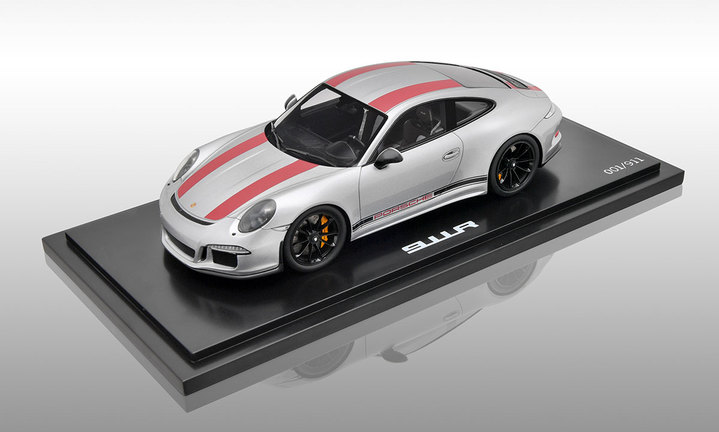 911 R, silber/rot, 1:18