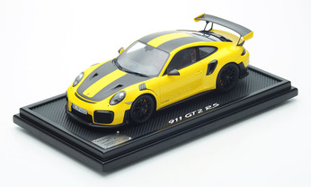 911 GT2 RS mit Weissach-Paket, Racinggelb, 1:12, Limited Edition
