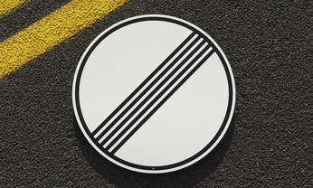 No Speed Limit Sign